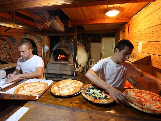 Restaurant U Vodn 225 ře At Vranov Dam Restaurant And Pizzeria